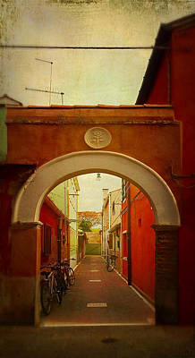 Photograph - Malamocco Arch No1 by Anne Kotan