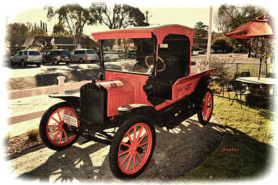 Photograph - Malibu Family Wine Truck Grungy by Floyd Snyder