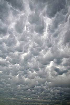 Photograph - Mammatus Going Vertical by Ray Mathis