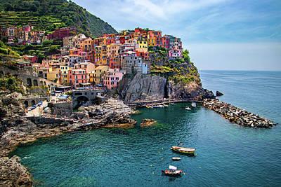 Photograph - Manarola In The Cinque Terre by Carolyn Derstine