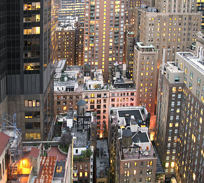 Photograph - Manhattan At Dusk by Bob Slitzan