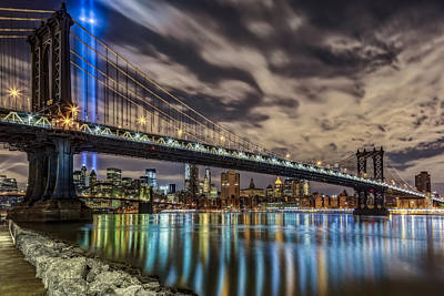 Photograph - Manhattan Bridge 911 Tribute by Susan Candelario