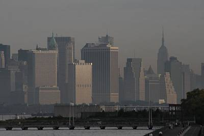 Photograph - Manhattan From The Belt Parkway by Christopher Kirby