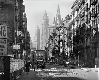 Photograph - Manhattan, Henry Street 1935 by Gene Parks