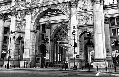 Photograph - Manhattan Municipal Building Arch Mono by John Rizzuto