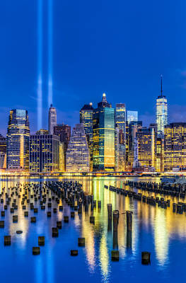 Brooklyn Bridge Photograph - Manhattan Nyc 911 Tribute by Susan Candelario