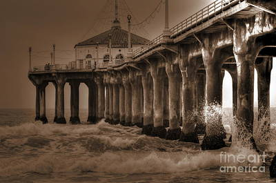 Photograph - Manhattan Pier Splash by Richard Omura