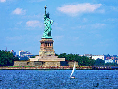 Statue Of Liberty Photograph - Manhattan - Sailboat By Statue Of Liberty by Susan Savad