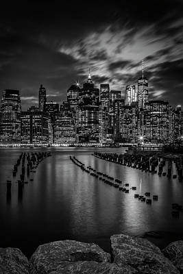 Manhattan Skyline Evening Atmosphere In New York City - Monochrome Art Print