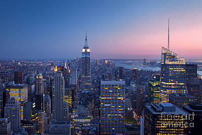 Photograph - Manhattan Twilight by Brian Jannsen