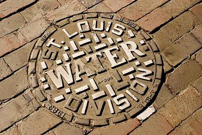 Manhole Cover In St Louis Art Print by Mark Williamson