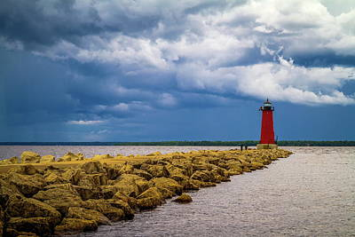 Photograph - Manistique East Breakwater Lighthouse by Chuck De La Rosa