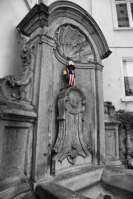 Independance Day Photograph - Manneken Pis Fountain by Georgia Fowler