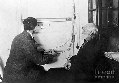 Manometer At Pavlovs Laboratory, C. 1921 Art Print by Wellcome Images