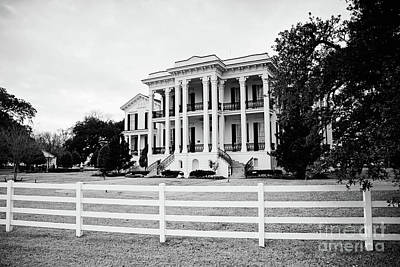 Photograph - Mansion On The Mississippi River - Bw by Scott Pellegrin