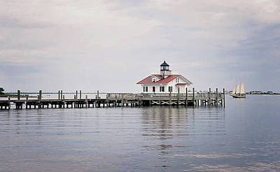 Photograph - Manteo Lighthouse by Kelley Nelson