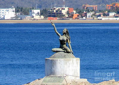 Photograph - Manzanillo Mermaid by Randall Weidner