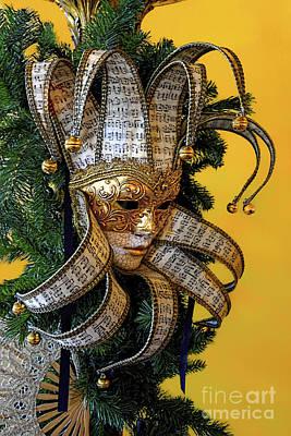 Mardi Gras Mask In Gold Art Print