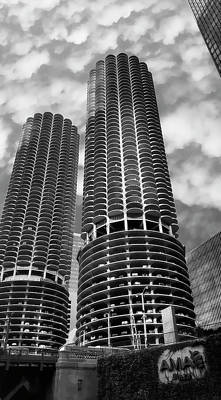 Photograph - Marina Towers - Chicago by Daniel Hagerman