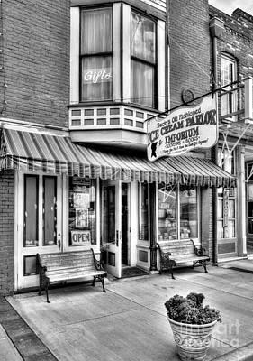 Becky Photograph - Mark Twain's Town 2 Bw by Mel Steinhauer