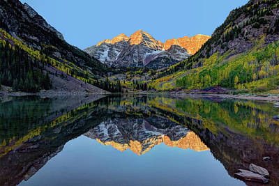 Photograph - Maroon Bells Sunrise by Mark Whitt