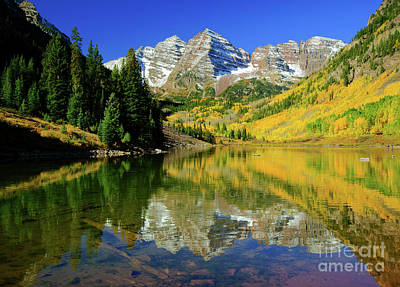 Photograph - Maroon Lake Autum - 1 by Benedict Heekwan Yang