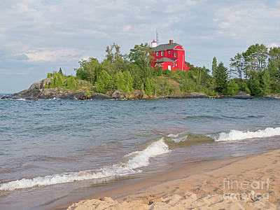 Photograph - Marquette Harbor Lighthouse by Ann Horn