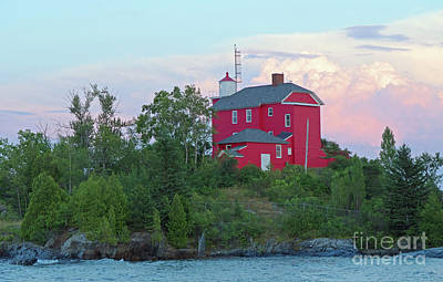 Photograph - Marquette Red Lighthouse by Ann Horn