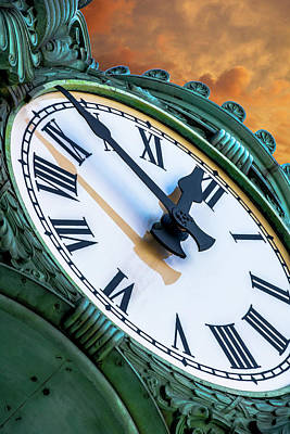 Photograph - Marshall Fields Clock Dsc8975 by Raymond Kunst