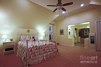 Photograph - Master Suite by Richard Lynch
