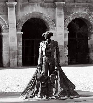 Photograph - Matador Statue 1b by Andrew Fare