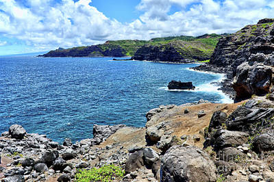Photograph - Maui North Shore by Eddie Yerkish