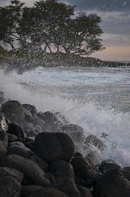 Photograph - Maui Surf by Robert Potts