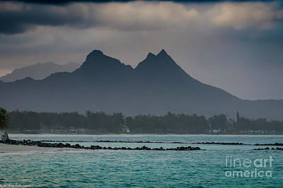 Photograph - Maunawili Mountain by Mitch Shindelbower