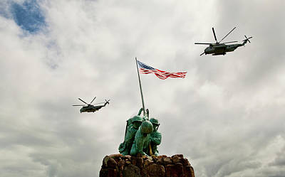 Photograph - Mcbh Remembers Iwo Jima by Dan McManus