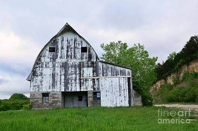 Photograph - Mcgregor Iowa Barn by Kathy M Krause
