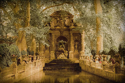 Photograph - Paris, France - Medici Fountain Oldstyle by Mark Forte