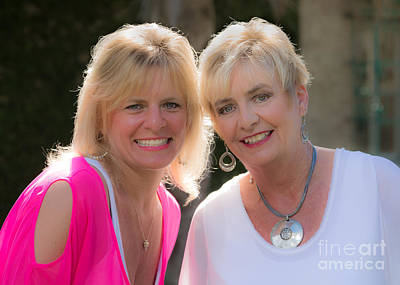 Photograph - Melissa Love And Bonnie Mcbride by Gene Berkenbile