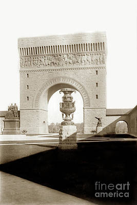 Photograph - Memorial Arch From Memorial Court The Stanford University Campus1903 by California Views Archives Mr Pat Hathaway Archives