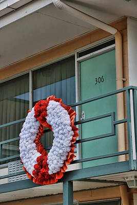 Photograph - Memorial Wreath, M L K , J R by Allen Beatty