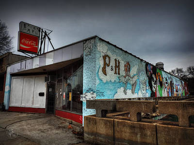 Photograph - Memphis - P And H Cafe 001 by Lance Vaughn