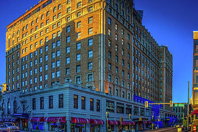 Photograph - Memphis Peabody Hotel by Barry Jones