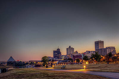 Photograph - Memphis Sunrise 1 - Cityscape by Barry Jones