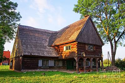 Photograph - Mennonite Wooden Thatch House In Chrystkowo Poland by Elzbieta Fazel
