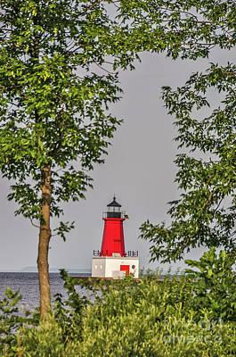 Photograph - Menominee Pierhead Lighthouse by Sue Smith
