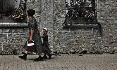Menonite Woman And Child Art Print