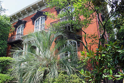 Mercer Williams House-savannah Ga Art Print by Suzanne Gaff