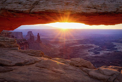 Photograph - Mesa Arch Sunrise by David Cote