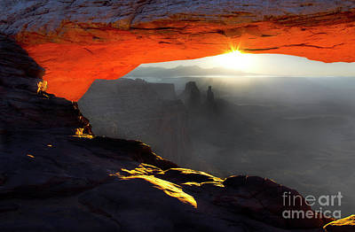 Photograph - Mesa Arch Utah by Bob Christopher
