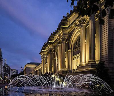 Photograph - Metropolitan Fountains by Cornelis Verwaal